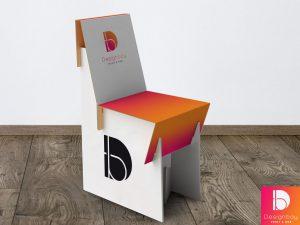 Chaise carton blanc contrecollé sur carton kraft triple cannelure
